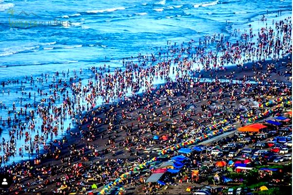 Nikmati Keindahan Pantai Parangtritis dari Puncak Bukit