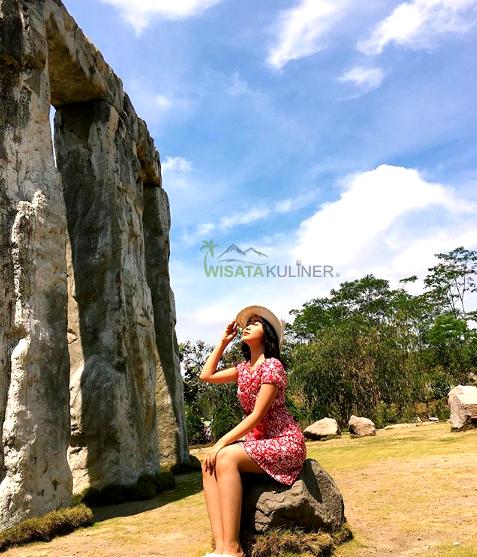 Daya Tarik Stonehenge Cangkringan